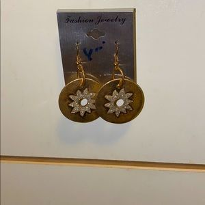 💚Gold and silver earrings